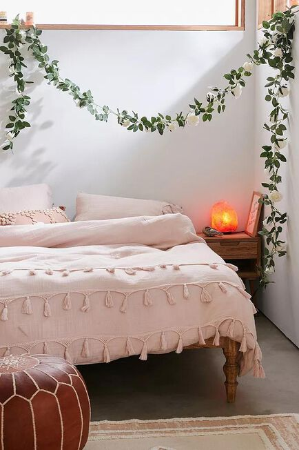 Urban Outfitters - White Decorative Rose Garland