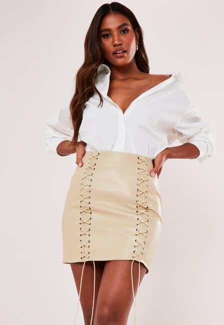 Missguided - Cream Cream Faux Leather Lace Up Mini Skirt