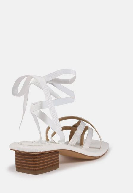 Missguided - White White Toe Post Ribbon Sandals