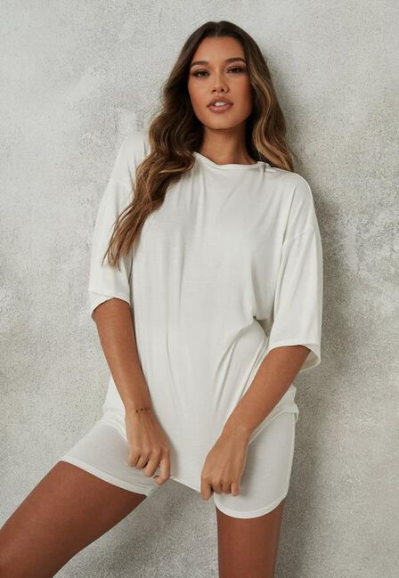 Missguided - Cream Oversized T Shirt And Cycling Shorts Co Ord Set