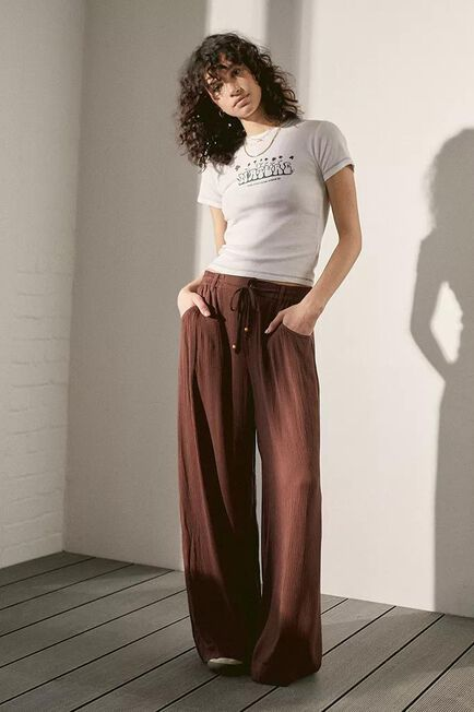 Urban Outfitters - BRN UO Otto Crinkle Trousers