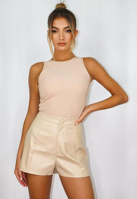 Missguided - Cream Ivory Seam Detail Faux Leather Shorts