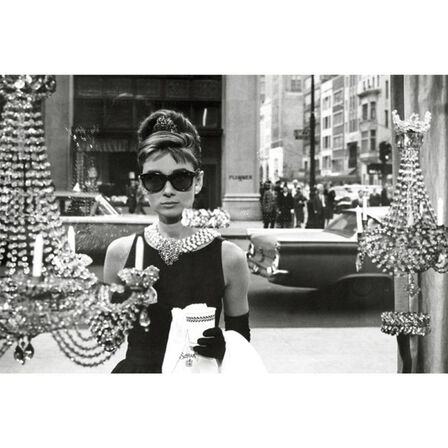 PYRAMID POSTERS - Audrey Hepburn Window Poster [61 x 91.5 cm]