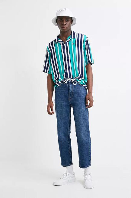 Urban Outfitters - Blue BDG Vintage Wash Bow Jeans