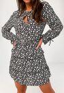 Missguided - Black Floral Keyhole Tiered Smock Dress