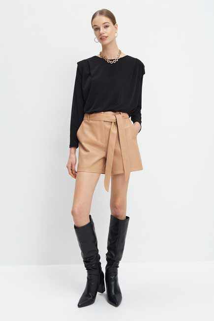 Mohito -  Faux Leather Shorts - Beige