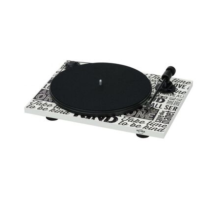 PRO-JECT AUDIO SYSTEMS - Pro-Ject Hard Rock Cafe Limited Edition Turntable