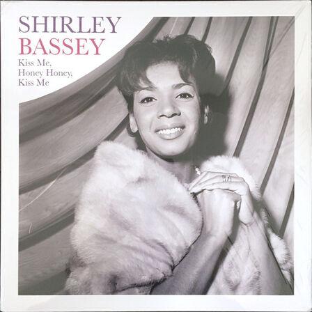 WAGRAM - Kiss Me. Honey Honey Kiss Me   Shirley Bassey