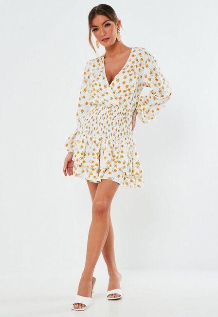 Missguided - White White Floral Print Shirred Waist Mini Dress