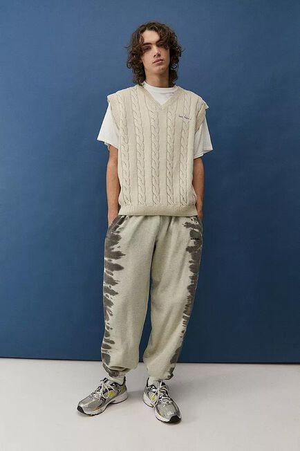 Urban Outfitters - Creme iets frans... Cable Knit Vest, Men